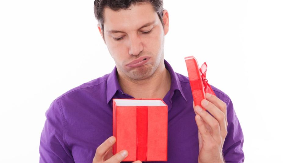 Как принимать и благодарить, даже если подарок не понравился