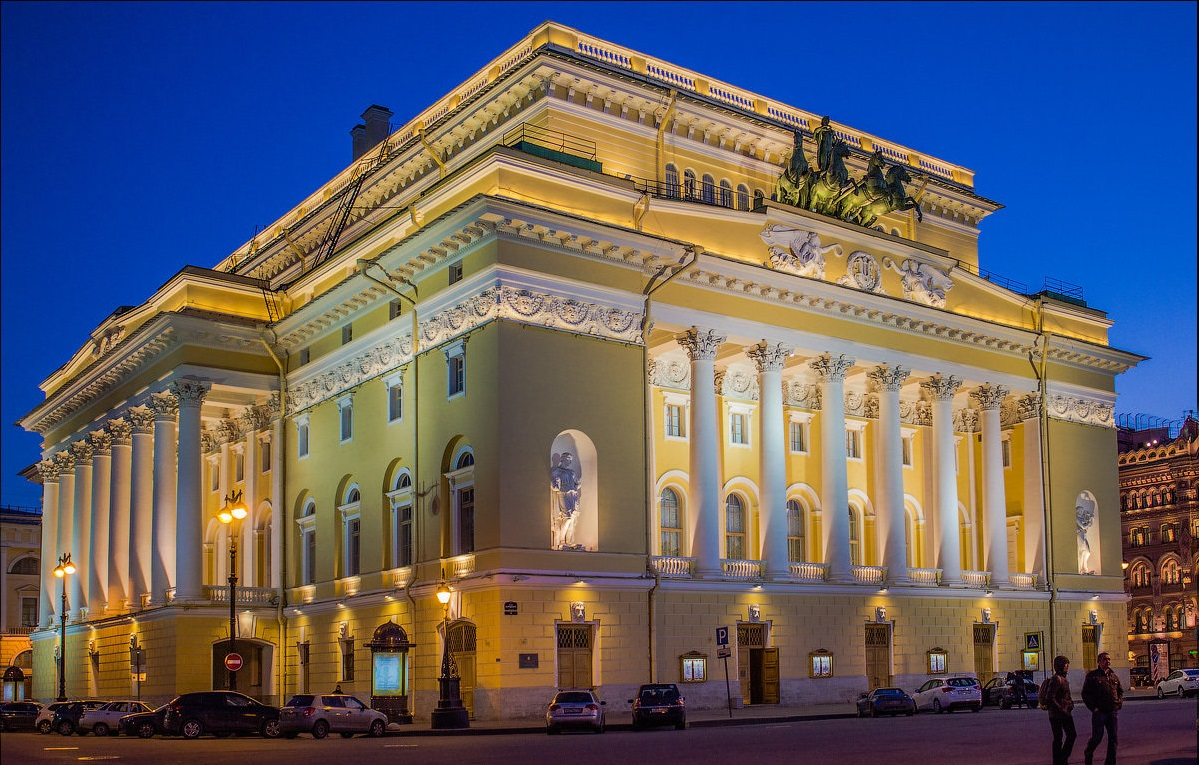 Театр в Санкт-Петербурге
